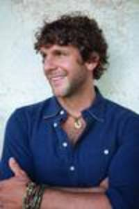 billy currington puts on high-energy show in new york